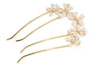 This bridal (wedding) hair comb with SWAROVSKI crystal measures approximately 5.0 inches long. The top is about 3.25 inches by 2.0 inches. Y3